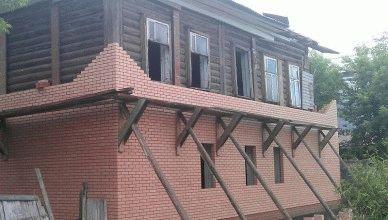 Облицовка деревянного дома кирпичом