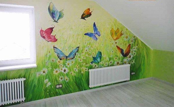 Рисунок бабочки на стене
