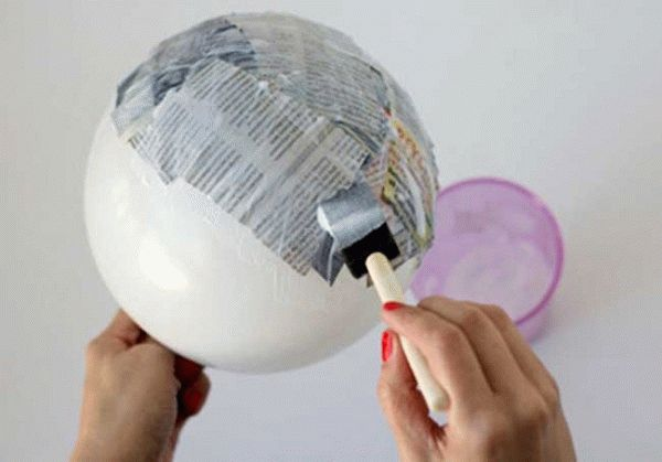 Клейстер из муки или крахмала часто используют для изготовления изделий из папье-маше