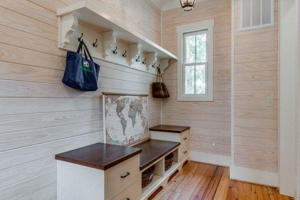 Мебель для хранения верхней одежды и обуви - обязательный атрибут прихожей