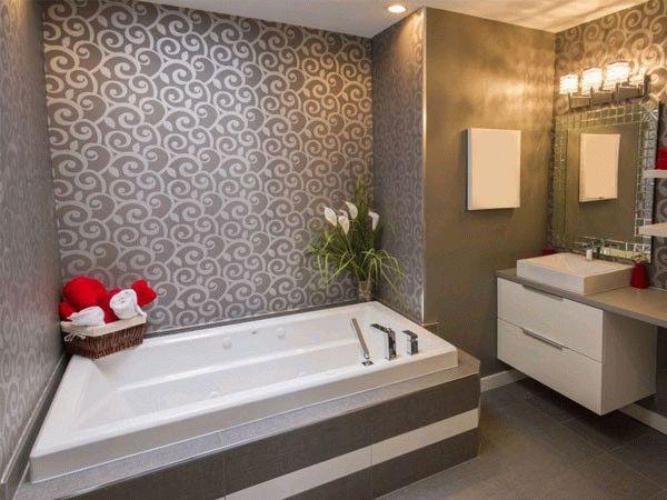 Моющиеся обои не боятся влаги, поэтому их можно применять в ванных комнатах