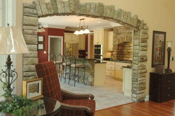 Арка на кухню оформленная декоративным камнем