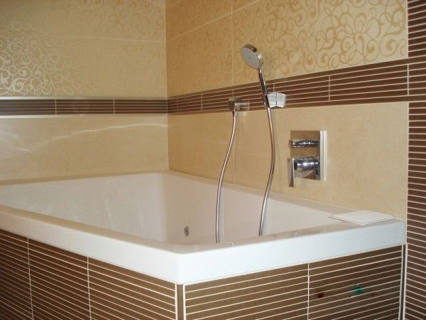 Плитка - наиболее практичный вариант отделки ванной комнаты