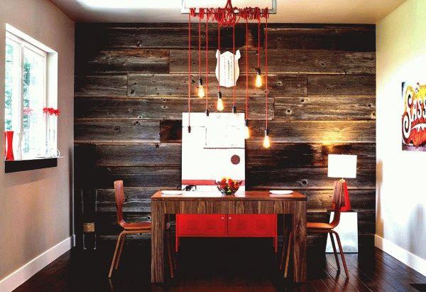 Декорирование стены деревянной доской