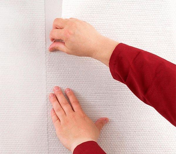 Поклейку стекловолоконных полотен нужно производить встык, с соблюдением совпадения узоров