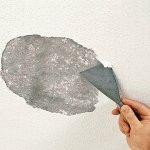 Как снять старую краску со стен в ванной