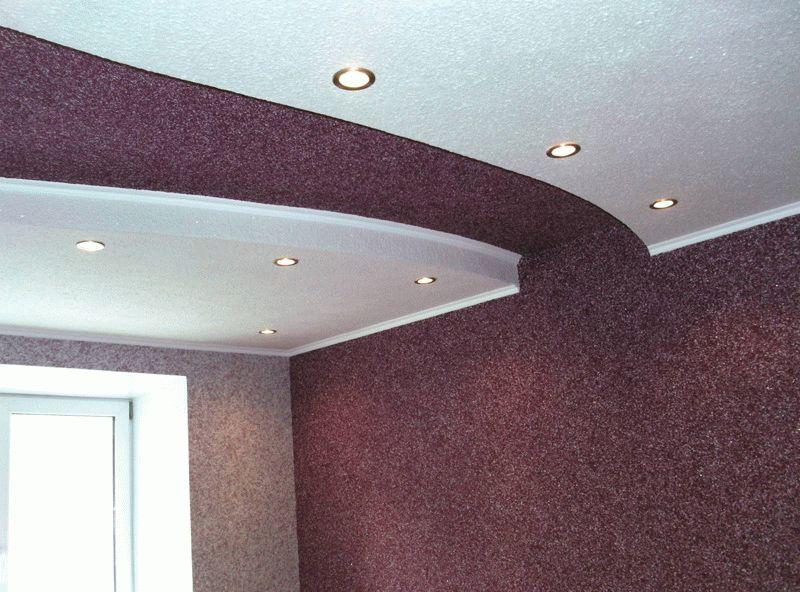 Шелковая штукатурка отлично подойдет как для отделки стен, так и потолков