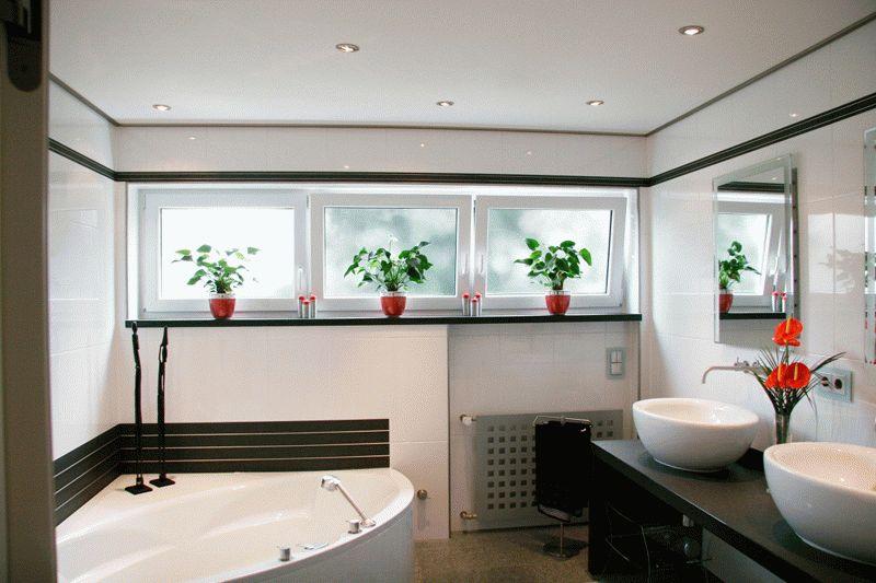 Крашенный потолок в ванной комнате
