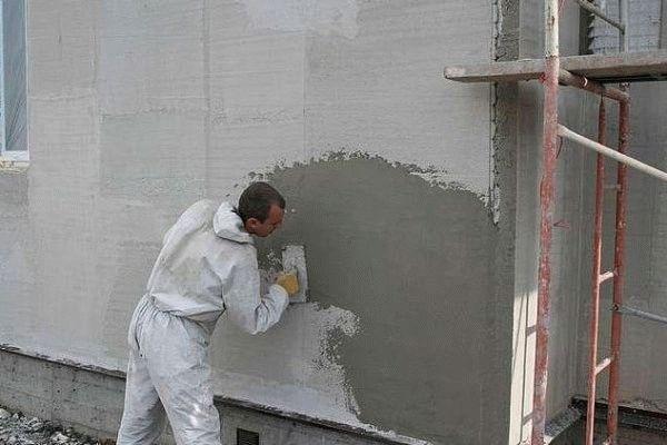 Оштукатуривание наружных стен дома