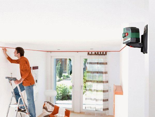 Определение кривизны потолка с помощью лазерного уровня