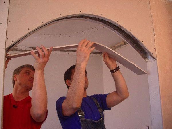 Монтаж арки из гипсокартона - финишный этап