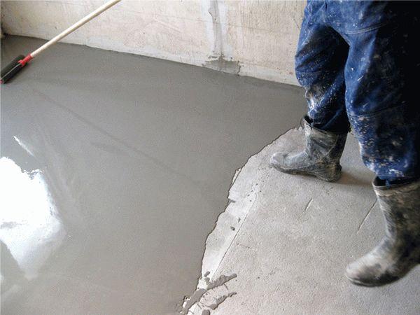 Выравнивание бетонного основания с помощью стяжки