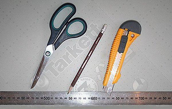 Инструменты, необходимые для укладки линолеума