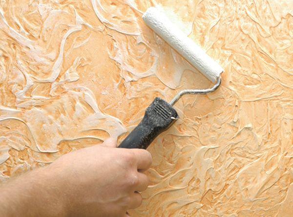 Окрашивание фактурной штукатурки производится валиками с разной длиной ворса