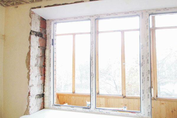 Оштукатуривание балконного блока