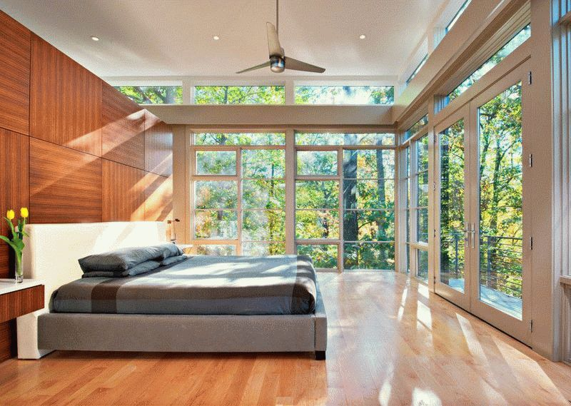 Отделка спальни декоративными панелями в виде плит