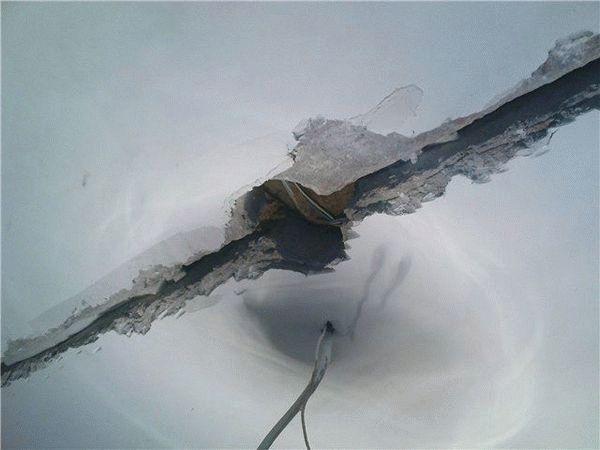 Стыки между плитами перекрытия подлежат заделке независимо от конечной отделки потолка