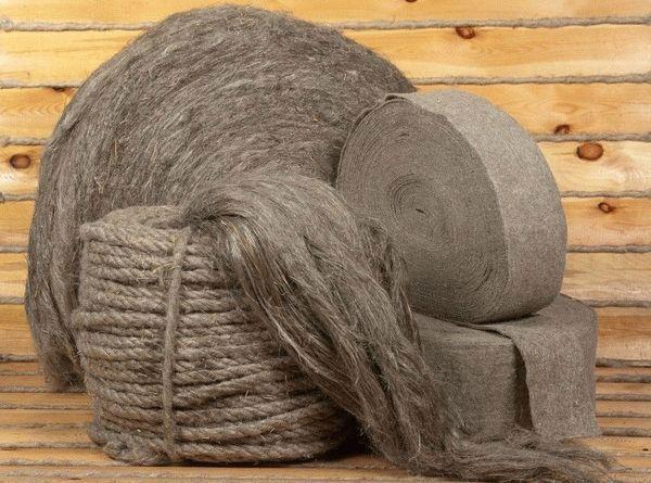 Если в доме имеются изделия из льна, то они станут отличным компонентом для жидких обоев