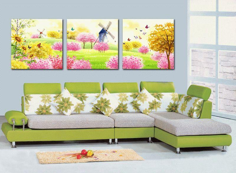 Модульная картина в детской комнате может быть в стиле любимого мультфильма