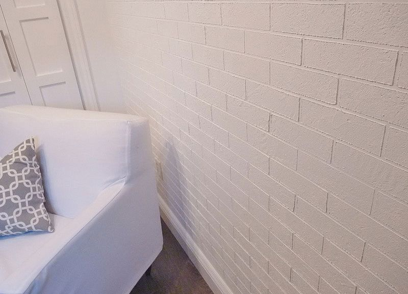 Как сделать стены под кирпич