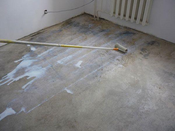 От правильно подготовленной поверхности зависит длительность эксплуатации напольного покрытия, поэтому всегда рекомендуется проводить данные подготовительные работы