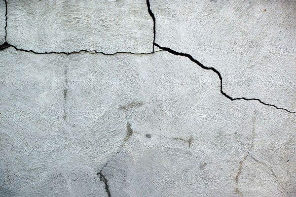 Трещины на цементной штукатурке