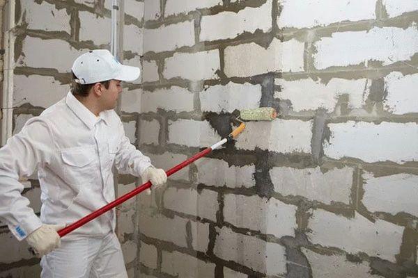Любые штукатурные работы должны начинаться с подготовки поверхности