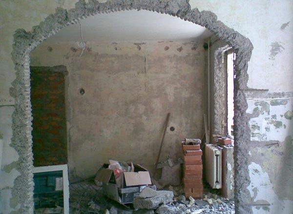 Вырезание арки методом долбежки