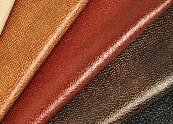 Выбирая дермантин для обшивки, следует учитывать множество нюансов, определяющих качество данного материала