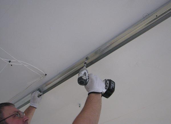 Монтаж каркаса на потолок без использования подвесов