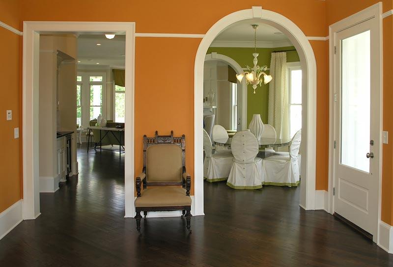 Виды дверного проема: стандартный и арочный