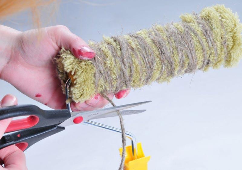 Изготовление фактурного валика с помощью веревки