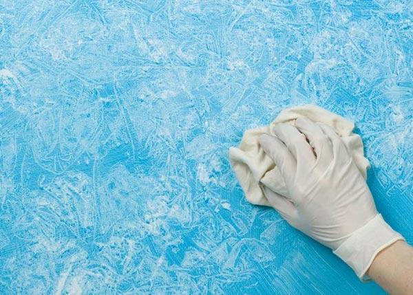 Декоративное окрашивание поверхности с применением подручных средств