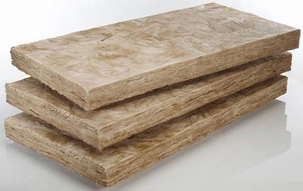 Минеральная вата - часто используемый материал для утепления балкона