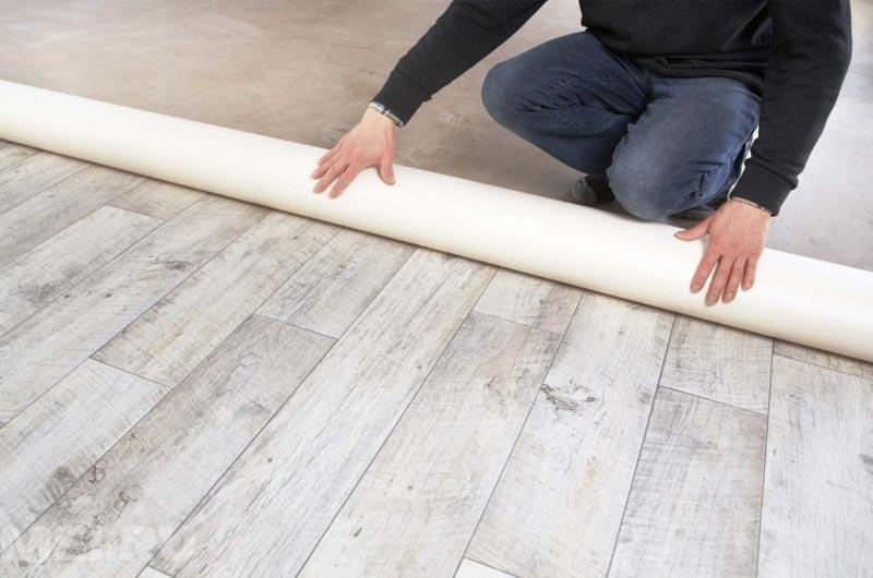 На время высыхания наливной стяжки также влияет материал, применяемый для конечной отделки