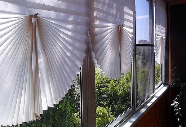 Самодельные шторы из обоев