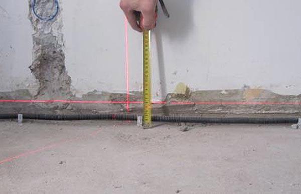 Чтобы посчитать расход наливного пола, необходимо определить толщину будущей стяжки