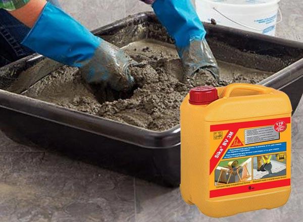 Для улучшения характеристик стяжки, приготовленной своими руками, применяется пластификатор
