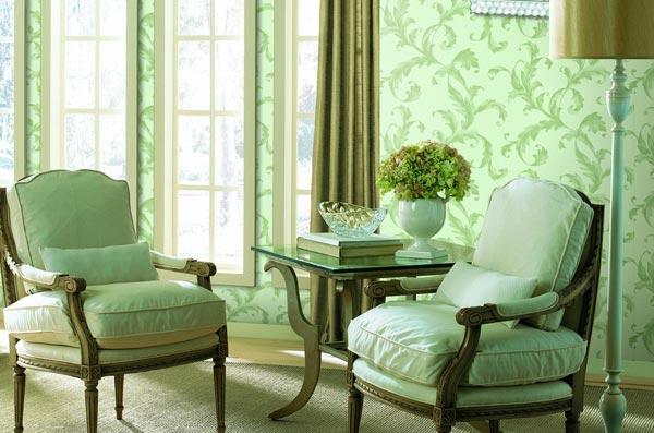 Обои зеленых оттенков будут правильным выбором для комнат с хорошим естественным освещением