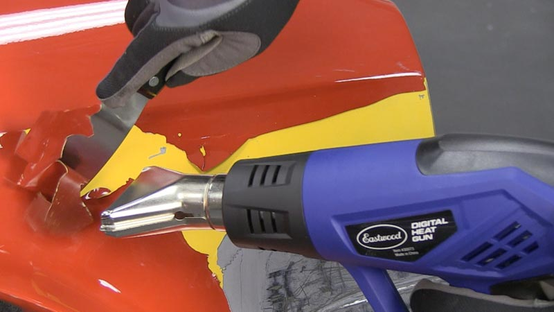 Удаление краски при помощи температуры – трудоемкий процесс, и скорость работы зависит как от нагревательного прибора, так и от толщины слоя металла: чем толще – тем дольше очищается