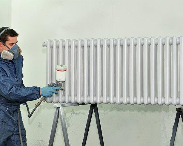 Нанесение водоэмульсионки краскопультом
