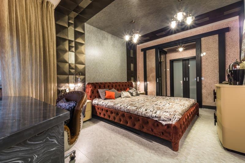 Отделка стен и потолка спальни жидкими обоями