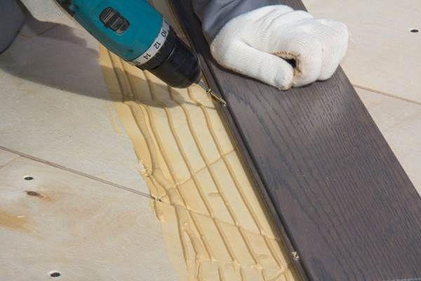 Только при жестком монтаже покрытия на основу существует возможность полноценной реставрации