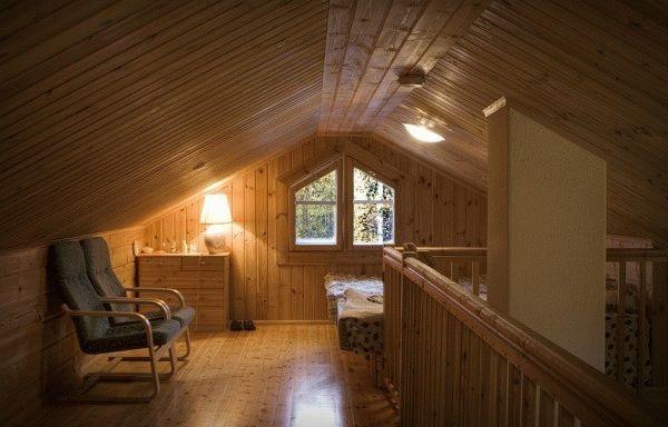 Вагонка - наиболее популярный материал для отделки внутренних стен и потолков деревом