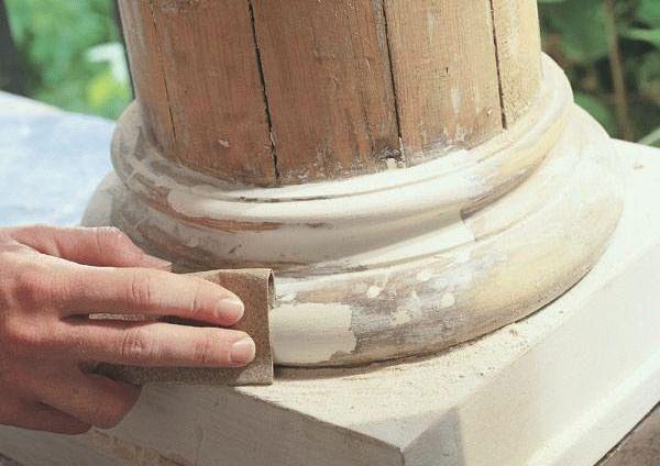 Дерево - это очень требовательный материал, поэтому по нему должна применяться особая шпаклевка