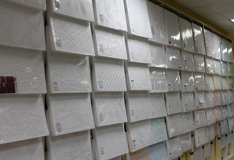 Пенопластовая плитка под покраску требует обязательного окрашивания