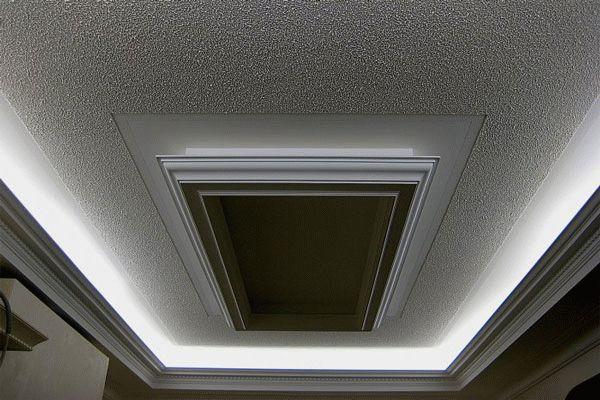 Структурная штукатурка на потолке