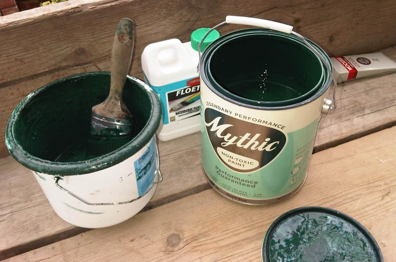 Разведение водоэмульсионной краски